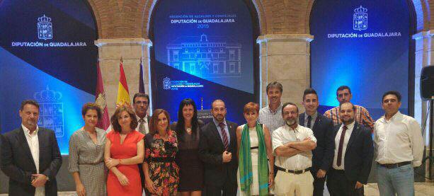 Miembros de Ciudadanos (C's) durante una recepción de alcaldes y concejales en la Diputación Provincial de Guadalajara,