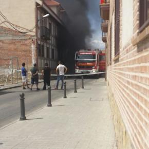 El Grupo Municipal Ciudadanos El Casar coordina con el Equipo de Gobierno la asistencia a los vecinos afectados tras estallar varios vehículos