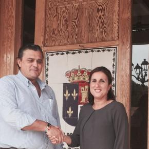 Alberto Cortés, Alcalde de Valdeaveruelo, recibe a Yolanda Ramírez, Diputada Provincial de Ciudadanos (C's)