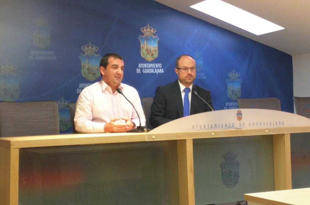 Alejandro Ruiz e Ildefonso Ramírez en rueda de prensa