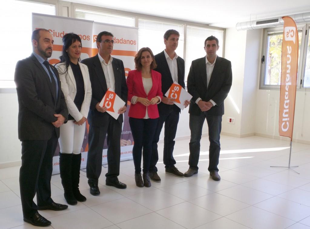 Candidatos de C's Guadalajara al Congreso y Senado junto a Juan Gordillo, subdelegado territorial