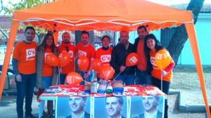 Miembros de la Agrupación Local de C's Azuqueca encabezados por Silvia García, junto con Antonio de Lamo y Carlos Morales.