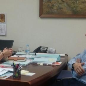 La Diputada Provincial Yolanda Ramírez se interesa por las demandas del Alcalde de Alcolea de las Peñas