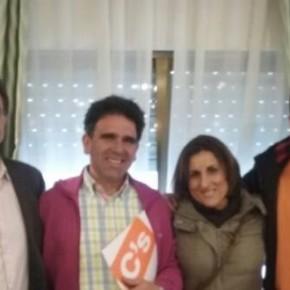 Yolanda Ramírez se reúne con los Concelajes de C's en Tendilla para conocer las necesidades del municipio