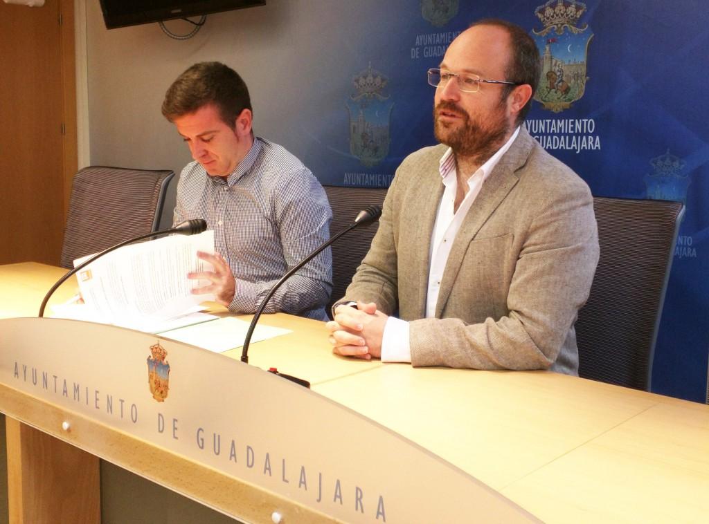 Alejandro Ruiz y Ángel Bachiller en rueda de prensa