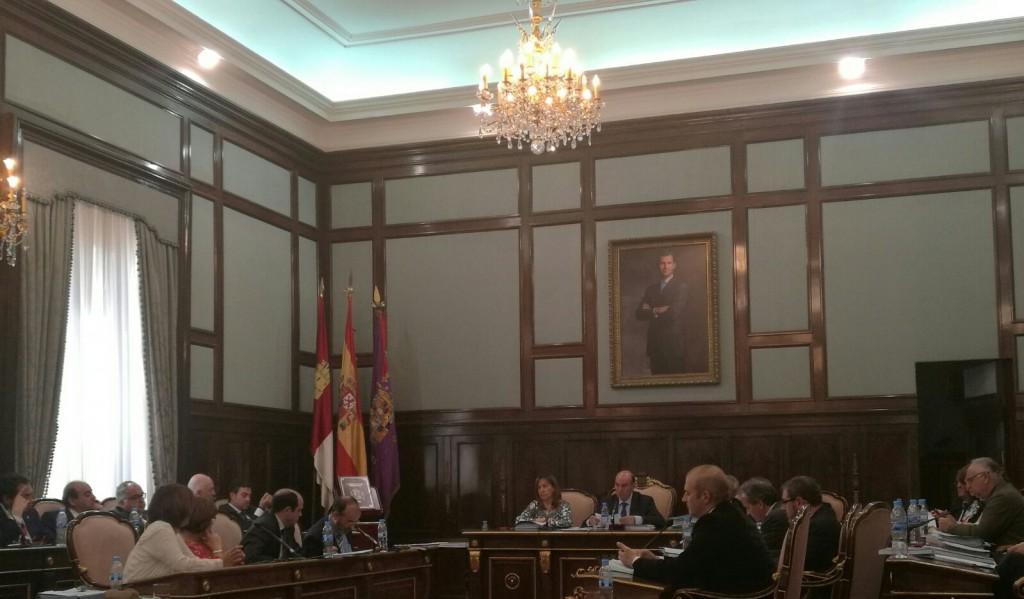 Pleno de la Diputación del mes de abril.