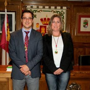 Marta Usano y José María González toman posesión como concejales de Ciudadanos (C's) en el Ayuntamiento de Alovera