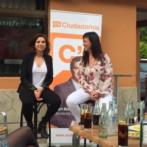 Ciudadanos (C's) celebra en Azuqueca de Henares un encuentro a pie de calle con sus candidatas