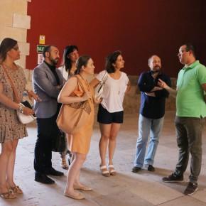 Marta Rivera, Orlena de Miguel, Silvia García y otros miembros de C's visitan el Palacio del Infantado