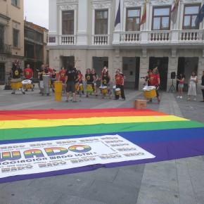 Orgullo LGTBI celebrado en la Plaza Mayor de Guadalajara