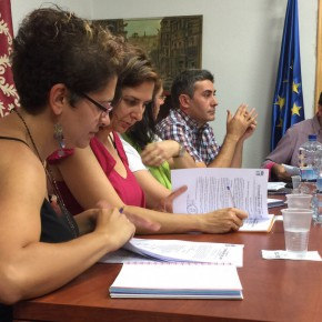 MªLuz Prieto y Orlena de Miguel, concejales de C's en Torrejón del Rey (Foto de archivo)