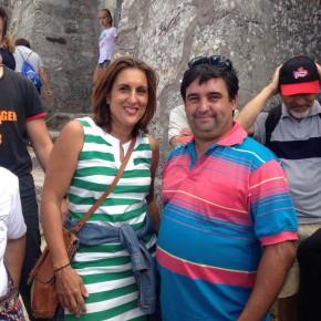 Yolanda Ramírez con Pablo César López, alcalde de Aldeanueva de Atienza