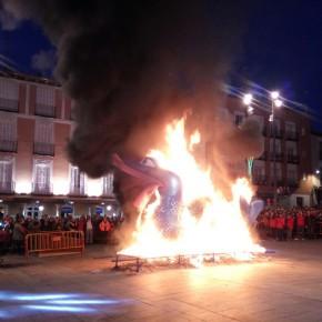 Ciudadanos asiste a la quema de la sardina que pone fin al Carnaval 2017 en Guadalajara