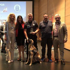 Silvia García asiste en Alcobendas al acto de condecoración con la Placa de Mérito a la Colaboración para el policía local de Azuqueca Javier Cantero