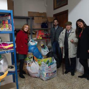 """Silvia García: """"Cada año son más los azudenses que participan en esta campaña de recogida de juguetes y alimentos y que dejan constancia de que Azuqueca es solidaria"""""""